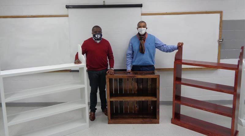 Mississippi Inmates Turn Pallets into Bookcases for Local School